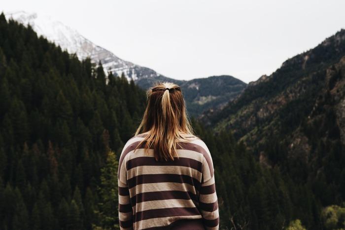 woman-thinking-mountains